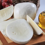 bahar-suthanesi-keci-peyniri-2